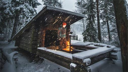 Ensimmäinen talviyö metsässä 1