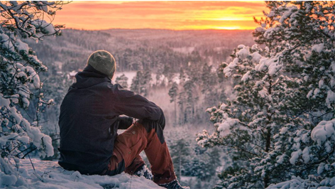 Ensimmäinen talviyö metsässä 5