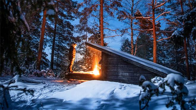 Ensimmäinen talviyö metsässä 3